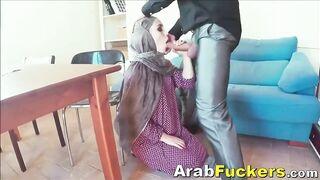 Hijabi: Arab Gal In Hijab Engulfing For Money