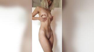 Skinny Blonde - Amateur