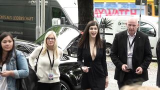 Alexandra Daddario teasing fans with her perfect titty fucking cleavage - Celebs