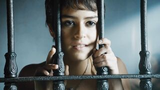 Rosabell Laurenti Sellers releasing her beautiful tits in Game of Thrones - Celebs