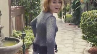 Emma Stone's amazing ass in jeans. God I'd love to see her asshole getting destroyed and gaped - Celebs