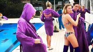 Russian swimmer Anna Voloshyna strip tease