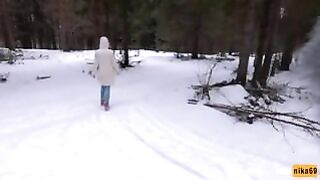 I love quick sex outdoors even in winter - Cum on my facial - Just 18